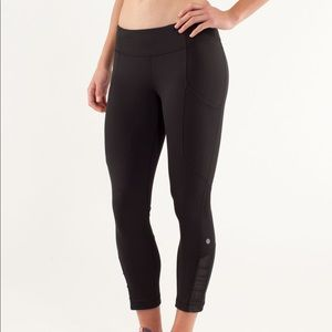 Lululemon Cropped Leggings w/ side pockets